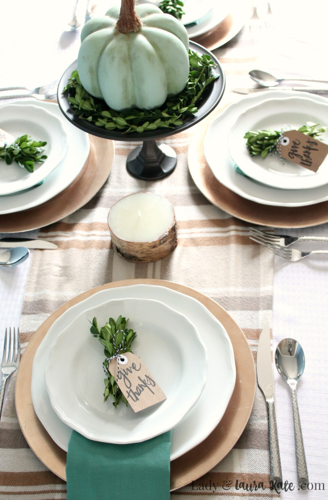 farmhouse-thanksgving-tablescape-1.jpg