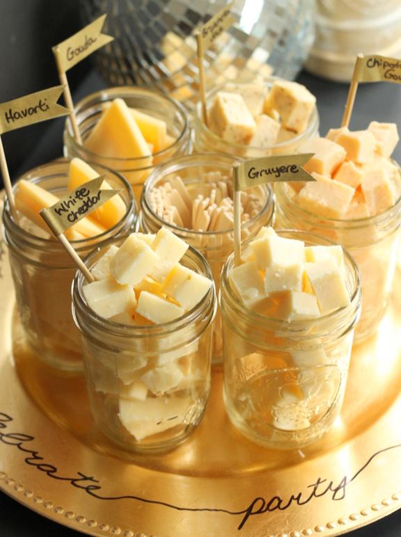 New-Years-Eve-Party-Food-Ideas-Mason-Jar-Cheese-Tasting-Tray.jpg
