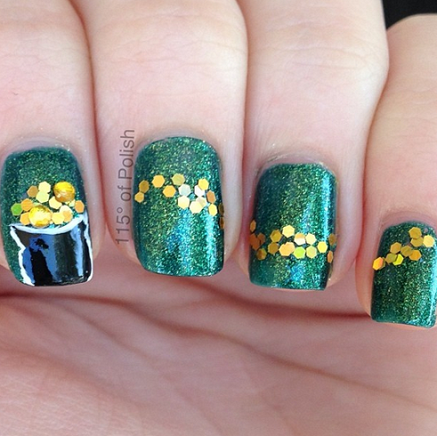 pot-of-gold-st-patricks-day-nail-designs.png